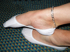 pikycad 03 (J.Saenz) Tags: feet foot pies pieds footfetish pulsera pinkys fetiche peds footsies footies liners tobillera fetichismo tobillo footlets womenfeet pikis podolatras pikys sockettes lingerieforfeet balletsocks ancklett