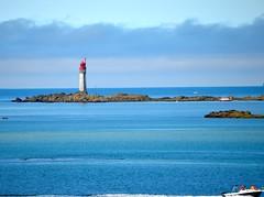 Le Phare de Saint-Malo dans un degrade de bleus... (FMS92) Tags: me2youphotographylevel1