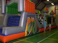 "adventurepark grote zaal 2 • <a style=""font-size:0.8em;"" href=""http://www.flickr.com/photos/125345099@N08/14248998577/"" target=""_blank"">View on Flickr</a>"
