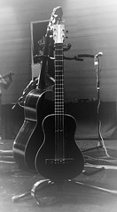 Cuatro venezolano y guitarra (jantoniojess) Tags: music andeanmusic guitarra musicalinstruments folclore charango instrumentosmusicales latinoamrica joropo requinto cuatrovenezolano msicaandina quenas folcloreandino purpuritay msicahispanoramericana