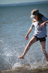 A Winter's day at Hervey Bay (crafty1tutu (Ann)) Tags: winter holiday beach water sunshine happy australia queensland challenge herveybay 2014 anncameron canon5dmkiii gettycontributor crafty1tutu 52in2014 35water
