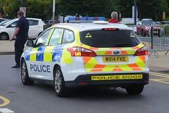 4906 - GMP - MX14 FKE - 283 (Call the Cops 999) Tags: uk gb united kingdom great britain england 999 112 emergency service services vehicle vehicles 101 police constabulary law enforcement trafford centre manchester open day 2016 greater battenburg led lightbar chevron chevrons