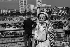 Apollo Girl (Connar L'Ecuyer) Tags: socal california beach ocean pier people peoplewatching wharf street santamonica streetphotography la