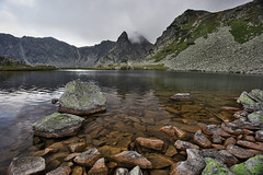 IMG_0642 ((CristiC)) Tags: retezat romania apuseni canon6d canon1635mm polarizer phototour moiceanu lake alpine altitude peak cloud lichen green