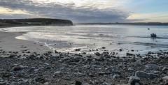 Crozon (ylbreizh) Tags: plage sable vague crozon bretagne finistre canon gx5 seascape landscape brume bateau aube