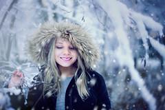IMG_3663 (Annamari Kemppainen) Tags: canon6d sigma35mm portrait selfie portaitphotography canon snow winter finland lapland first winterphotography