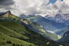 Il guardiano della valle (cesco.pb) Tags: valdifassa dolomiten dolomiti dolomites valduron colrodella trentino italia italy canon canoneos60d tamronsp1750mmf28xrdiiivcld montagna mountains