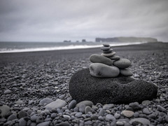 Black Beach 1 (TheSimonBarrett) Tags: iceland lveldi sland reynisfjara reynishverfisvegur pebbles