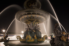 Fontaine des fleuves, Paris (Michel Couprie) Tags: paris france fontaine fountain night water le longexposure composition postprocessing light canon couprie eos tse24mmf35l statue sculpture