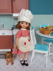 11. A little helper (Foxy Belle) Tags: betsy mccall cook vintage doll thanksgiving holiday kitchen diorama 16 playscale miniature turquoise food barbie furniture scene aprons retro