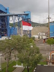 #benderamerahputih #flag #indonesia #powerplant (Dapur Solia) Tags: indonesia benderamerahputih powerplant flag
