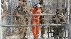 """أمريكا تنقل 4 معتقلين من """"جوانتانامو"""" إلى المملكة (ahmkbrcom) Tags: الأمنالقومي الإمارات البيتالأبيض الولاياتالمتحدة باراكأوباما دونالدترامب سجناء عُمان"""
