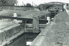 ISIS (Louse) LOCK, Oxford. (Chris the coal.) Tags: canal lock oxford isis gwr louse