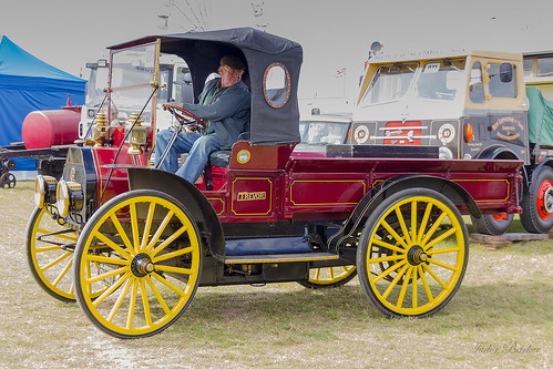 International Harvester Wagonette High Wheeler 20hp - 1913