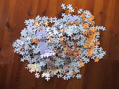 063 (Leonisha) Tags: destruction puzzle jigsawpuzzle puzzlepieces puzzleteile zerlegen