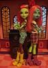 Venus and Three-Eyed Girl (Dollsville USA) Tags: girl monster high punk venus couture threeeyed mystixx mcflytrap