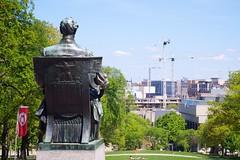 20140523-14 (Fin Azvandi) Tags: statue wisconsin spring construction crane olympus madison uwmadison abrahamlincoln ep3 bascomhill olympusfzuiko38mmf18