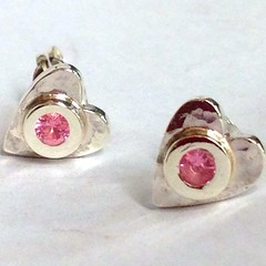 Pink Sapphire, hammered heart stud earrings in Silver