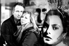 Casablanca? (StellaMarisHH) Tags: europa deutschland hamburg hafencity kunst paar prchen sw bw portrait kopf kpfe casblanca film canon canoneos5dmkii eos5dmkii 5dmkii 50mm 5014 offenblende lightroom photoscape