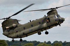 Chinook (Bernie Condon) Tags: riat riat16 airtattoo tattoo ffd fairford raffairford airfield aircraft plane flying aviation display airshow uk 2016 boeing ch47 chinook helicopter heavy airlift transport cargo assault raf military royalairforce