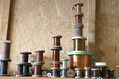 Spulen (MKP-0508) Tags: phrix hattersheim lostplace atelier offeneateliers studio openstudio artist knstler spulen bobines canettes spools coils accumulation angehuft