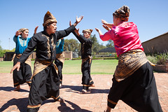 Indonesia-Emerging-3357 (jessdunnthis) Tags: indonesia australia design art futures peacock gallery emerging dance suara indonesian australian collaboration multiculturalism auburn
