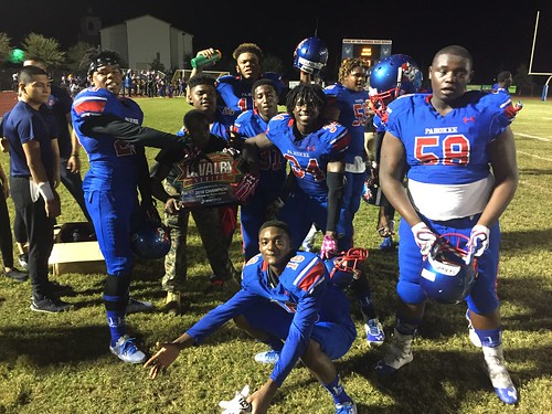 """Pahokee v Glades Central • <a style=""""font-size:0.8em;"""" href=""""http://www.flickr.com/photos/134567481@N04/30538432020/"""" target=""""_blank"""">View on Flickr</a>"""