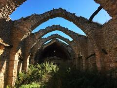 Ancienne bergerie sur le plateau du Combalou (Reb et Ka) Tags: aveyron larzac randonnée october hiking explore nature occitanie breathe