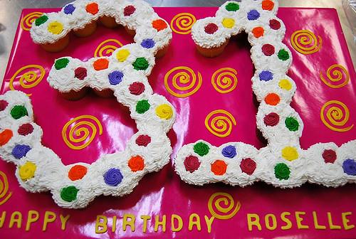 362-polkatots cupcake cakes