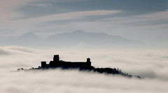 Assisi (Massimo_Discepoli) Tags: nebbia mist fog umbria italy assisi clouds landscape silhouette