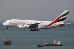 "Airbus, A380-861, A6-EOW, ""Emirates"", VHHH, Hong Kong (Daryl Chapman Photography) Tags: a6eow ek a380 airbus a388 landing arrival 25r construction newrunway expansion 207 a380861 hongkong china sar hkia clk hkg hongkonginternationalairport cheklapkok canon is ii 70200l f28 plane planes aviation planespotting departure flight commercialaviation civilaviation great fly flying sky dslr hongkongspotters aviationnut vhhh daryl chapman 1d mkiv"