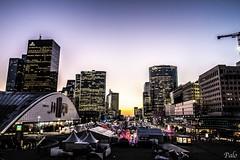 Esplanade de La Dfense (L'Oeil De Palo) Tags: esplanade paris ladefense soleil paysage urbain city architecture ville btiment gratte ciel complexe immobilier exterieur gratteciel