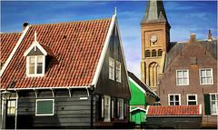 Le village de Marken, Waterland, Nederland (claude lina) Tags: claudelina nederland netherlands paysbas hollande marken waterland village maisons houses architecture glise church