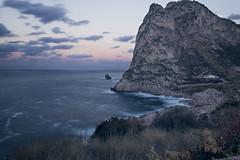Lunga esposizione (Vito_PH) Tags: lunga esposizione palermo mongerbino mountain canon 600d filtro nd sunset cloudy sea mosso scatto nature landscape onde mare cielo