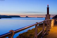 Esperando para entrar a puerto (MaryPazSL) Tags: horaazul cantabrico agua water barco avils asturias night