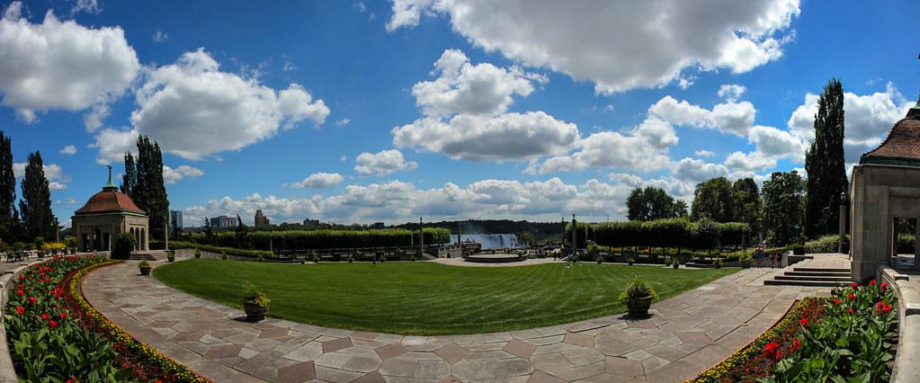Oakes Garden Theatre - Niagara Falls