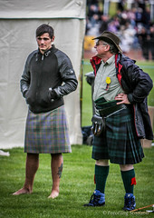 John Taylor and a Kilted Cowboy (FotoFling Scotland) Tags: scotland cowboy kilt wrestling scottish event highlandgames johntaylor kilted dunoon cowalgathering