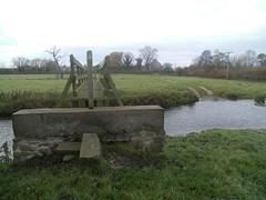 Longford Brook, Sutton on the Hill/Barton Blount, Derbyshire (eamoncurry123) Tags: public footbridge derbyshire hill barton brook footpath blount sutton publicfootpath on the longford suttononthehill bartonblount longfordbrook