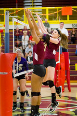 20131116_KU_Volleyball_vs_West_Chester_172 (Jeffrey Uleau) Tags: west golden university bears chester volleyball kutztown vision:text=0535 vision:outdoor=0549