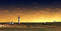 If you are a lighthouse, you cannot hide yourself (Wim Koopman) Tags: light sea sky lighthouse house holland netherlands dutch clouds canon boat ship nederland delta powershot northsea gradient hellevoetsluis estuarium s95