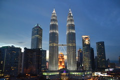 "Petronas Twin Towers KL (Simon_sees) Tags: travel vacation holiday night evening asia petronas kl architecturedesign ""twin towers"" kulmalaysia"
