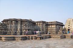 Le temple de Chennakeshava (Belur, Inde) (dalbera) Tags: sculpture india vishnu karnataka hinduism belur inde hindouisme hoysala chennakeshava vishnou dalbera