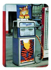 Pompe ESSO Extra (au second plan : OPEL Rekord et camion WILLEME RD 201) (xavnco2) Tags: advertising tiger super 1966 pump essence petrol werbung esso publicité tigre extra pubblicità benzin pompe