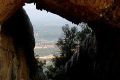 La finestra di Tiscali (ANNA ALESI) Tags: tiscali sardegna sardinia italia italy supramonte oliena dolina villaggio nuragico sitoarcheologico
