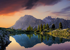 Clear sunset at Limides Lake ... nice little melody (Gio_says_goodbye) Tags: dolomiti dolomites dolomiten limides lake sunset clouds mountainscape mountains landscape nuvole tramonto veneto italia italy reflections mirror melody horizon artwork poetry atmosphere sakamoto sofiatitengolamano