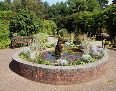 2016_08_1557 (petermit2) Tags: walledgarden hillsboroughpark hillsborough sheffield southyorkshire yorkshire