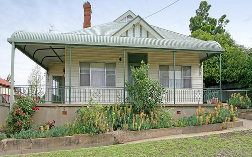 25 Dalley Street, Junee NSW 2663