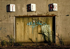 Vetrina in abbandono (photograph61) Tags: vetrina
