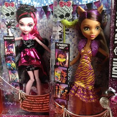 Welcome To Monster High - Draculaura & Clawdeen Wolf (MyMonsterHighWorld) Tags: monster high welcome to dance the fright away photobooth ghouls mh mattel reboot 2016 doll lagoona blue frankie stein draculaura clawdeen wolf