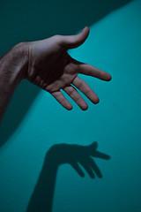 338 // 366 - Hand on  Blue (Job Abril) Tags: mano hand blue azul autorretrato selfportrait artisticphotography conceptualphotography 365 nikon light shadow